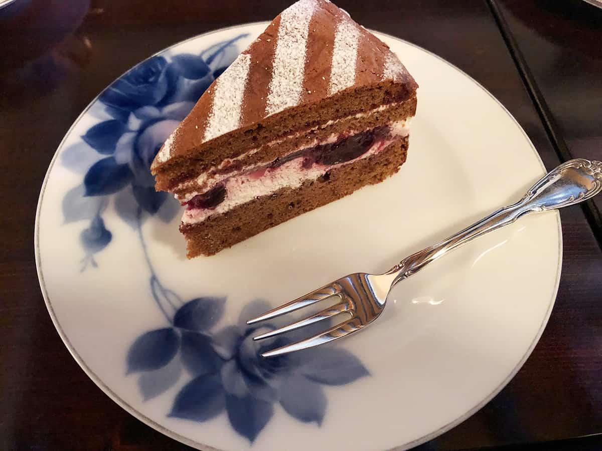 東京 吉祥寺 武蔵野珈琲店|さくらんぼのケーキ