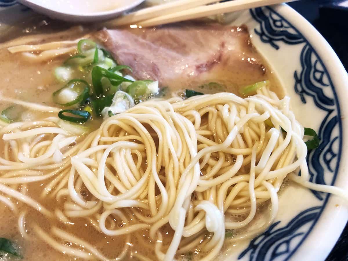 東京 丸の内 博多麺房 赤のれん 丸ビル店|麺