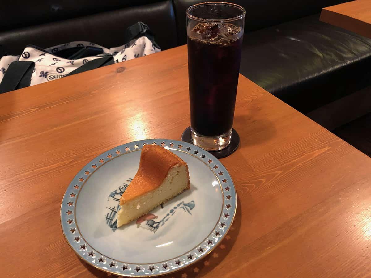 東京 銀座 炭火焙煎珈琲・凛 ベイクドチーズケーキセット