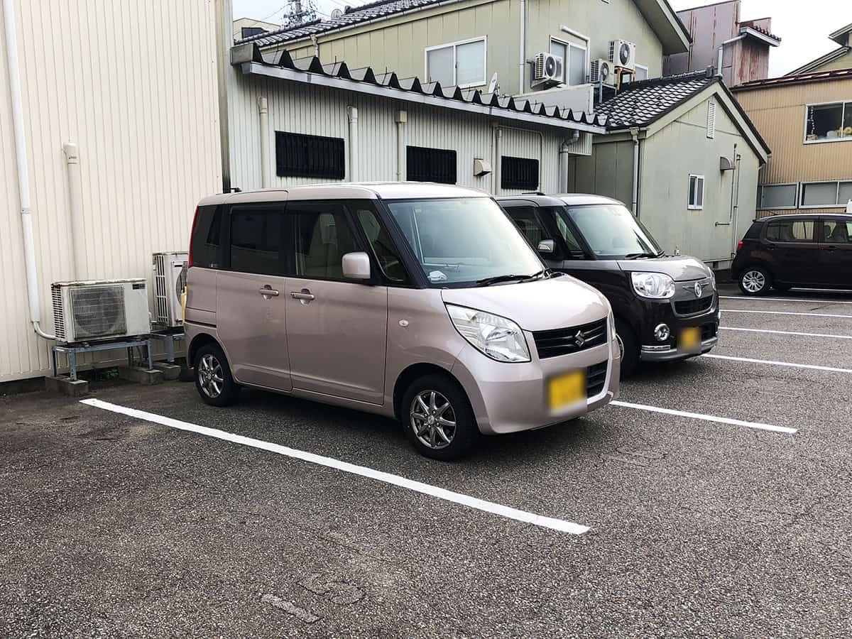 石川 七尾 幸寿し 本店|駐車場