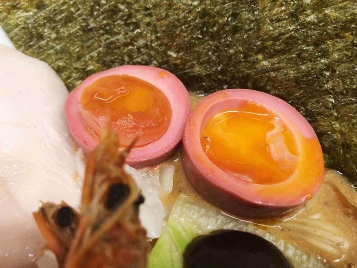 東京 銀座 マグロ卸のマグロ丼とラーメンの店|半熟味付玉子