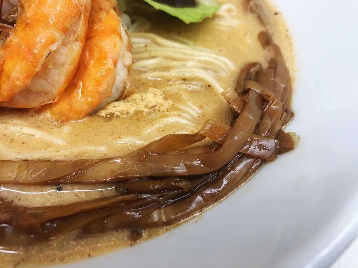 東京 銀座 マグロ卸のマグロ丼とラーメンの店|穂先メンマ