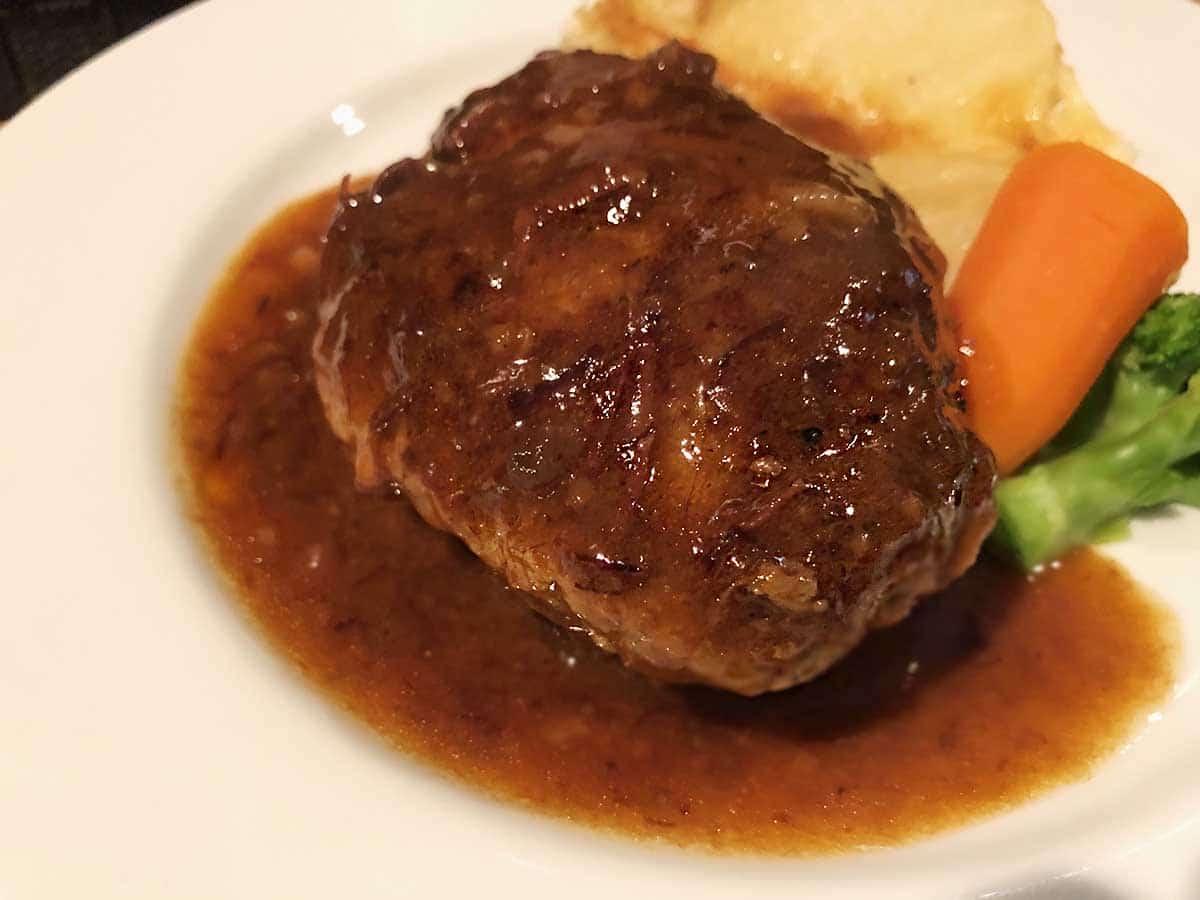 東京 池袋 ウチョウテン 黒毛和牛のハンバーグ