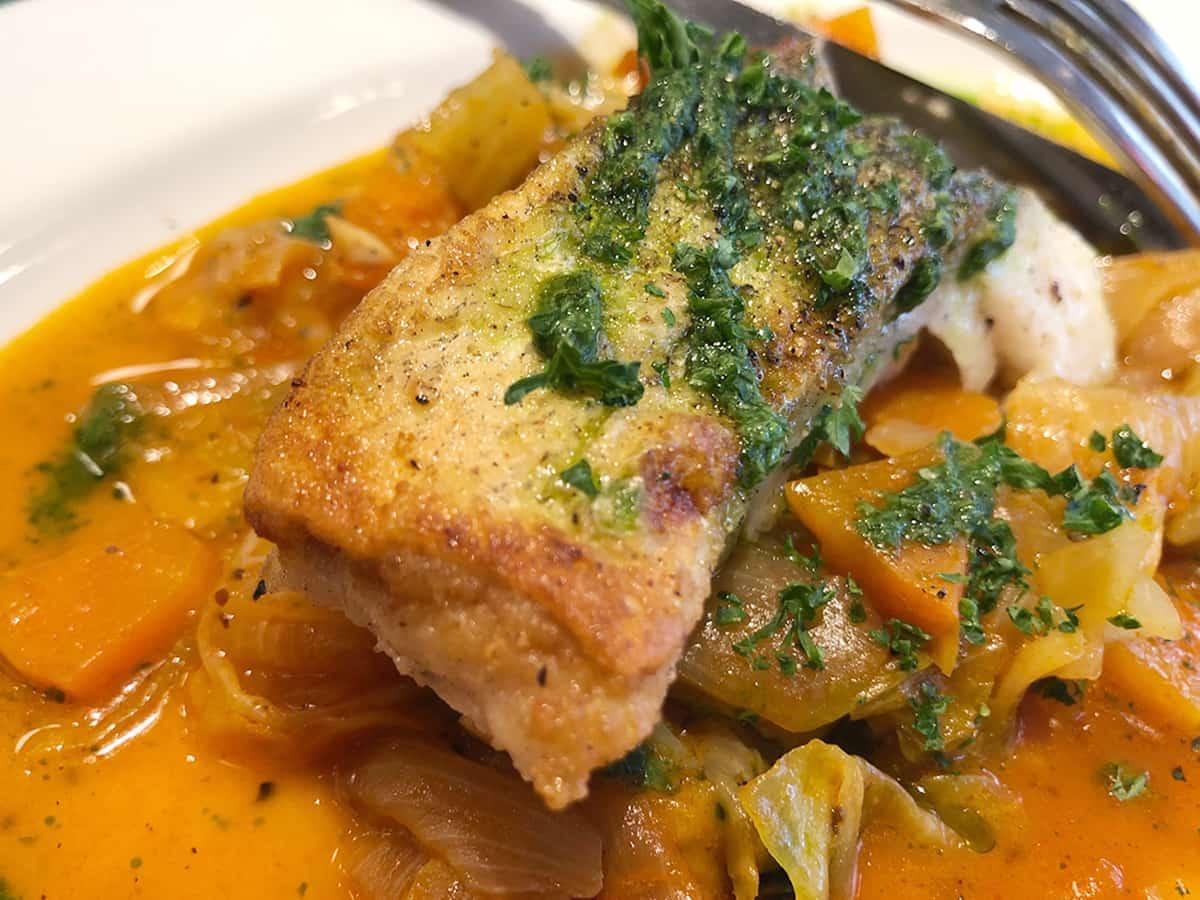 鱈のポワレ|東京 丸の内 ブラッスリーオザミ丸の内