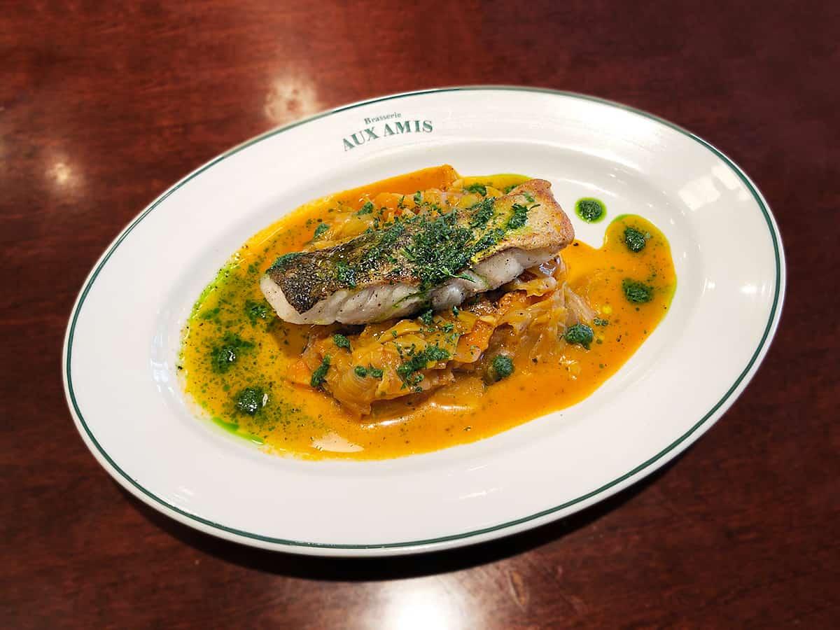 鮮魚のポワレ 具だくさん野菜のトマト煮 東京 丸の内 ブラッスリーオザミ丸の内